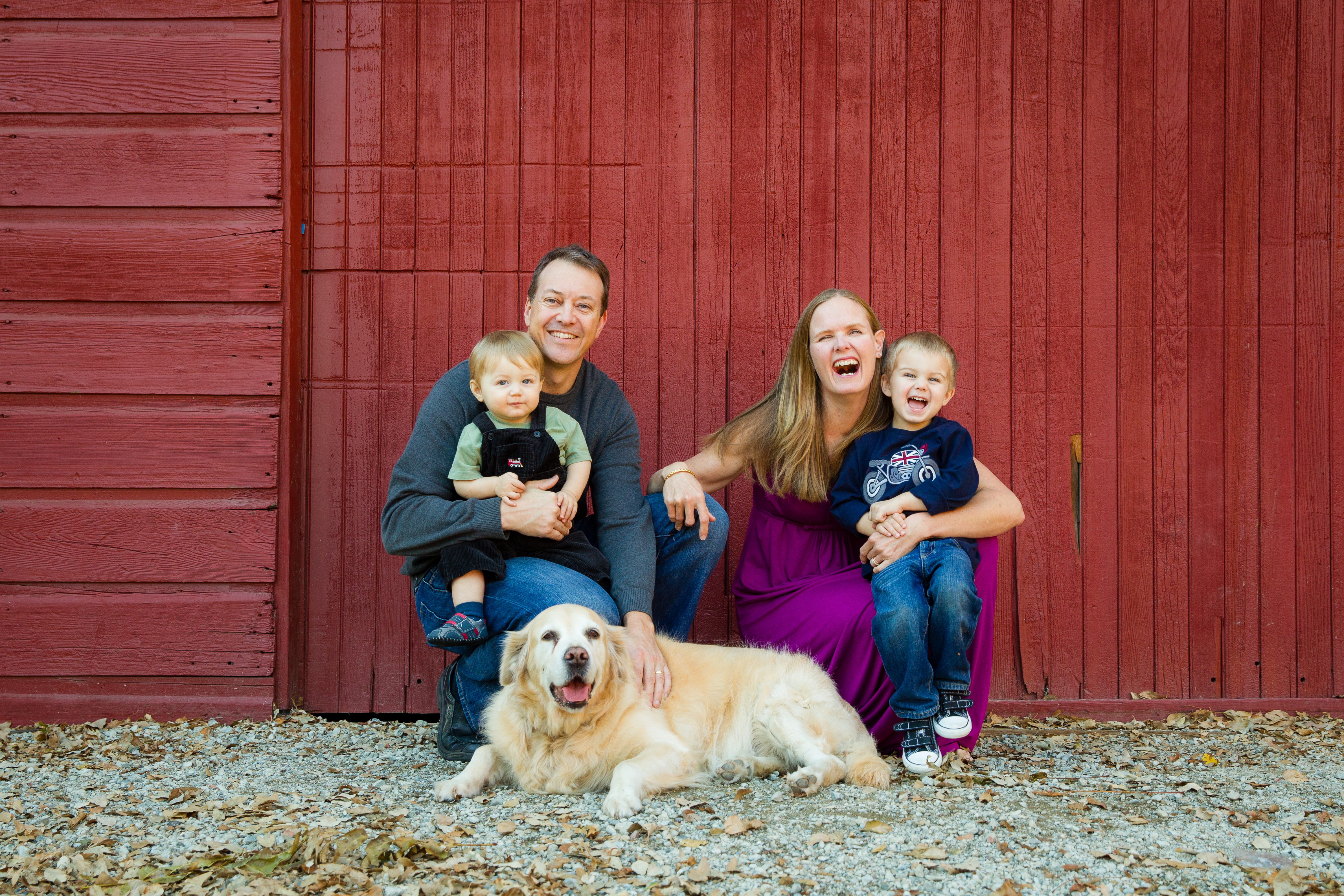 5 Tips For Making Your Family Photos a Piece of Cake This Fall!